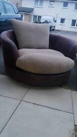 Cuddle chair swivel