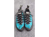 Boreal size 7 Rock Climbing shoes like new