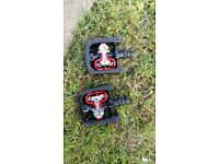 Single sided spd pedals. Nearly new. Taken off a tandam.