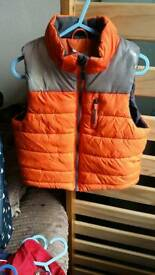 H and m gilet 2 t 3 years