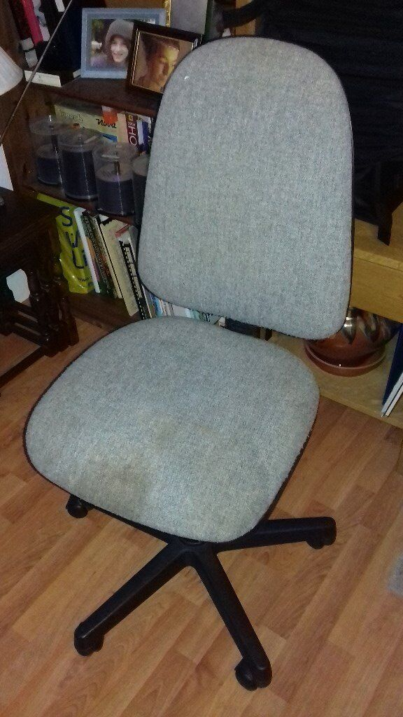 Chair - Swivel computer or desk type