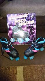Roller skates size 6 vgc