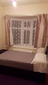 Single and double room available for rent