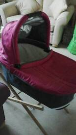 Uppababy Vista carry cot and stand
