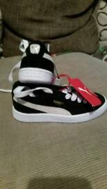 Boys puma trainers