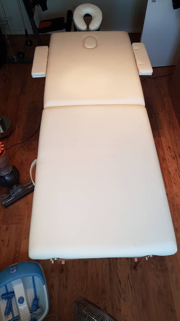 Massage Table Faux Leather.
