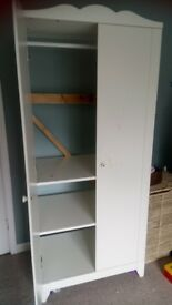 Wardrobe , ideal for children's bedroom . Good quality but backless !!