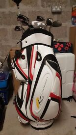 Golf set. Clubs, bag and trolley