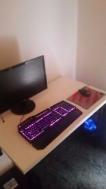 Gaming pc plus monitor zowie mouse and keyboard high spec