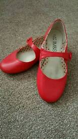 M&S Girls Red LEATHER Shoes size 11 (29)