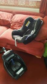 Maxi Cosi Stage 1 Car seat and easy base