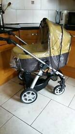 Mama and paper sola travel system