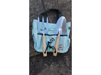 NEW GARDEN HAND TOOLS - TROWEL AND FORK