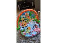 Baby kick n play piano gym mat