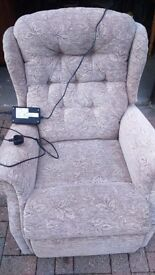 Reclining chair Full electrics . Bought new £900. Used for 1 week.