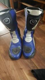 Mitorcycle boots