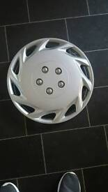 4x 16inch wheel trims. Used about 2 days . Look brand new.