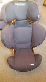 Maxi Cosi ferofix isofix car seat.