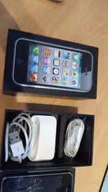 Apple iPhone 3GS - cracked screen