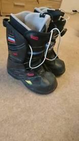 Vans snowboard boots UK 2.5