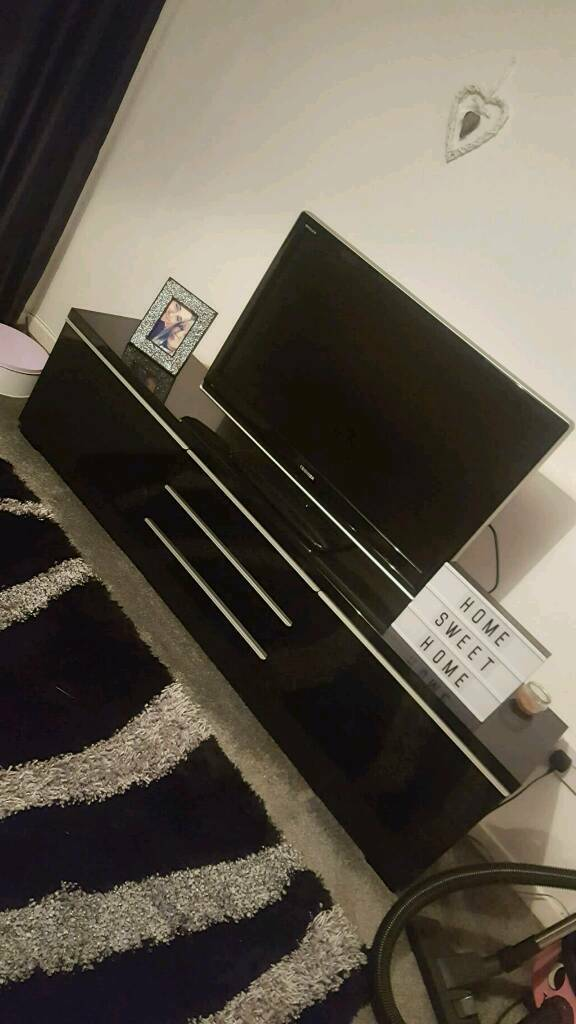Large ikea black high gloss tv unit