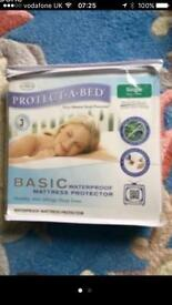 BNIP Single Waterproof Mattress Protector