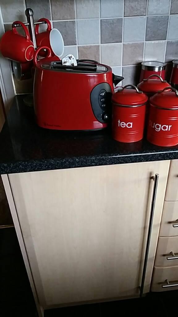 Red kitchen ware