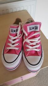 Size 4 converse trainers
