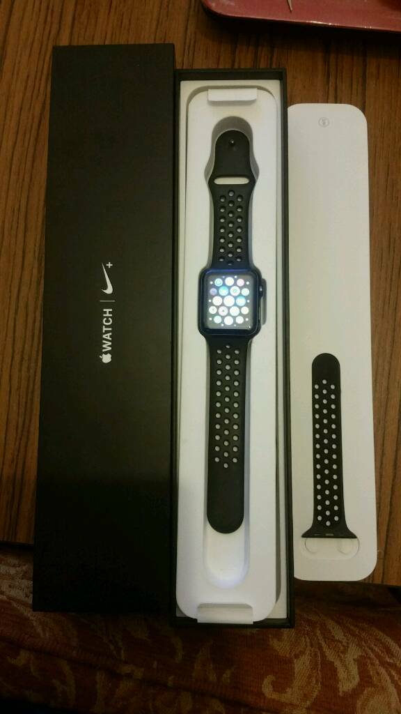 Nike Apple Watch Series 2 42mm In Hyde Park West Yorkshire