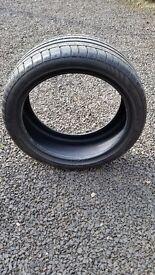 Car tyre Avon ZZ5 245/40R19