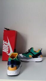 WOW NIKE HURRACHES BRAND NEW FIRST 40 CASH