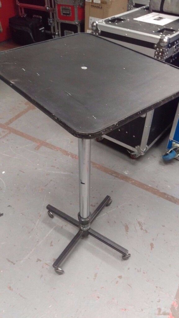 Magician's Heavy Duty Table (dismantles for easy transporting)