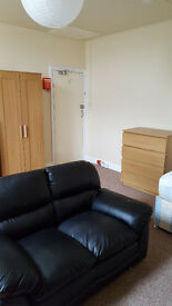 Nr Greenhead Park, Huddersfield, Studio to let