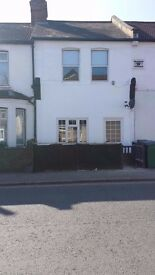 Lovely 1 bed flat available in Watford immediately £865 plus bills - close to all local amenities