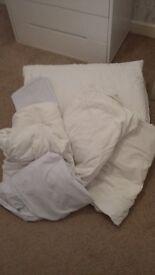 Single Duvet, 5 single sheets and 2 pillow case bundle