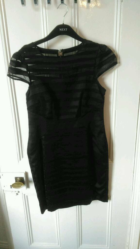 Ladies black Lipsy dress size 14in Whickham, Tyne and WearGumtree - Ladies black Lipsy dress size 14 beautiful on pictures dont do justice, no longer fits worn twice. Smoke free home. Will post
