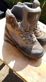Walking boots size 4