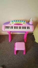 Kids keyboard and microphone