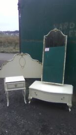 Fantabulous reproduction vintage French styled bedroom set in great condition