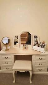 Soft cream bedroom suite