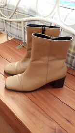 Tan leather boots size 7