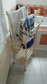 Cream towel stand