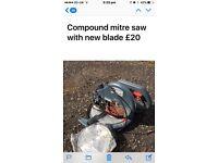 Compound mitre saw