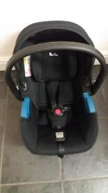 Silver cross simplicity car seat and isofix base
