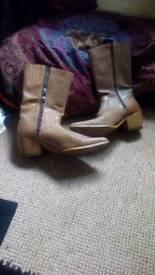 Wrangler cowboy boots size 7