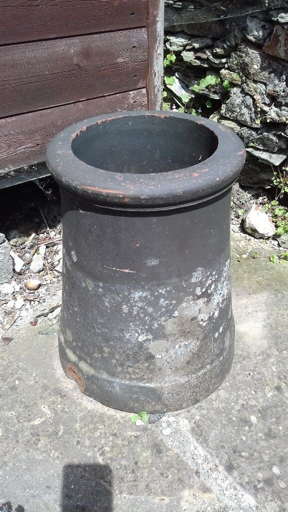 Vintage chimney pot garden planter; great condition & good patina