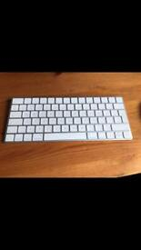 APPLE MAC WIRELESS MOUSE AND KEYBOARD