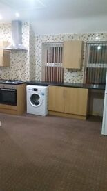 VERY CLEAN AND SPACIOUS 2 BEDROOM FLAT TO LET IN BRIERLEY HILL CENTER