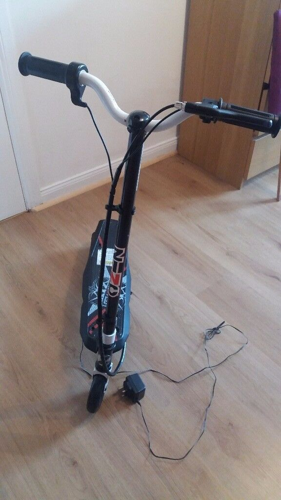 Zinc electric scooter. Excellent condition.
