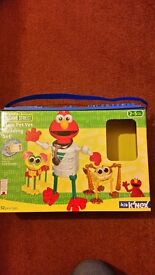 Kid K'Nex Elmo Pet Vet Building Set (Sesame Street)